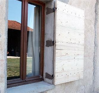 volet bois archives menuiserie. Black Bedroom Furniture Sets. Home Design Ideas