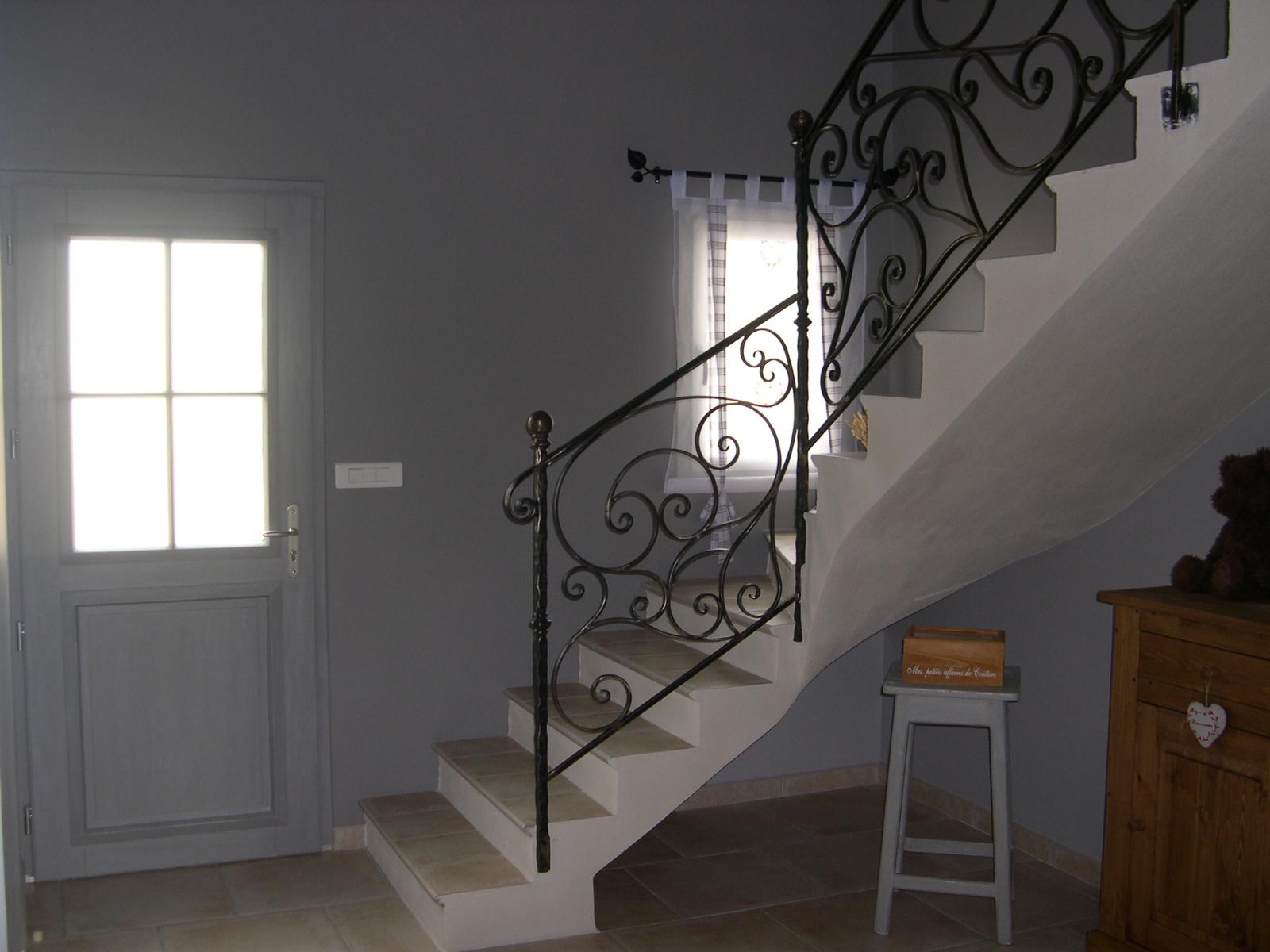 Hall d entr e avec escalier menuiserie for Entree avec escalier