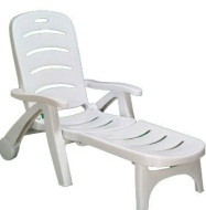 Table chaise jardin plastique menuiserie for Chaise de parterre