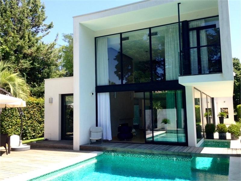 Recherche une maison great modele veranda terrasse for Recherche une maison