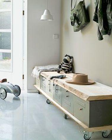 banc pour entree maison menuiserie. Black Bedroom Furniture Sets. Home Design Ideas