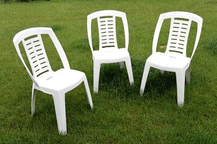 table et chaise de jardin pas cher en plastique menuiserie. Black Bedroom Furniture Sets. Home Design Ideas