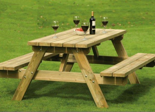 Table en bois de jardin avec banc - Menuiserie